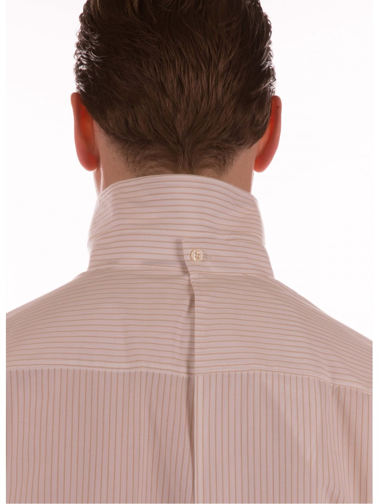 7256 Men's shirt button closure